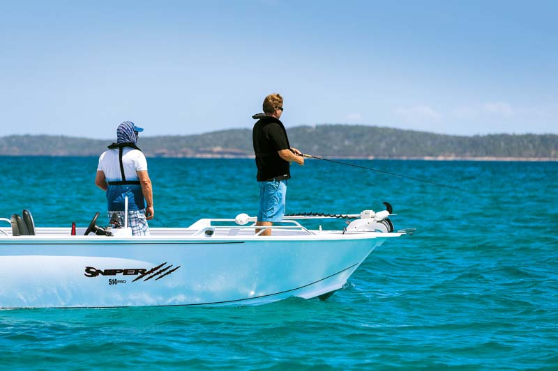 Anglapro Sniper 514 Pro Side Console fishing boat at rest