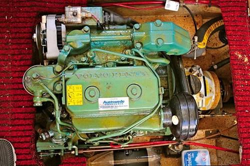 13hp twin-cylinder Volvo Penta marine diesel engine