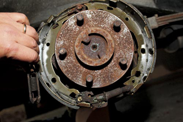 Replacing -brake -shoes -and -drums