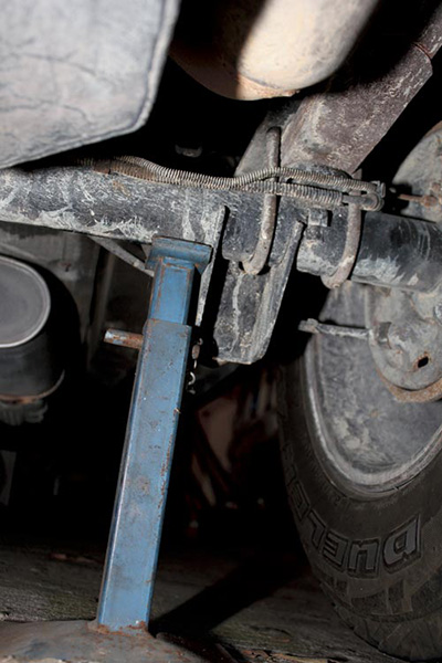 Replacing -brake -shoes -and -drums -1