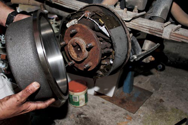 Replacing -brake -shoes -and -drums -2