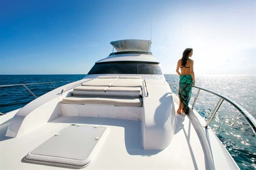 Sunpad on Hatteras 60 Motoryacht