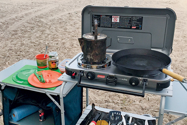 Bush -cooking -with -Roothy -1