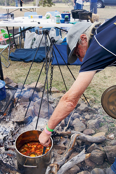 Bush -cooking -with -Roothy -2