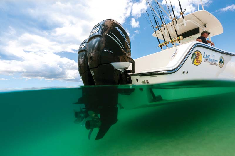 Mako 284 Centre Console at rest in shallow water
