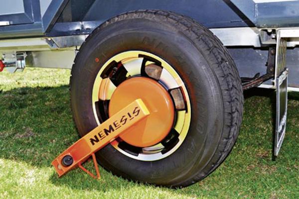 Wheel -clamp