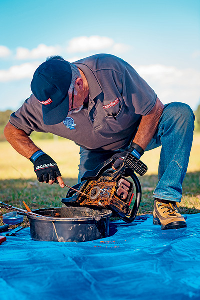 Top -10-chainsaw -maintenance -tips -Cleaning