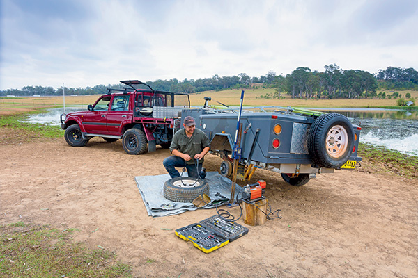 LEAD-PIC-Essential -trackside -tyre -repair -tips