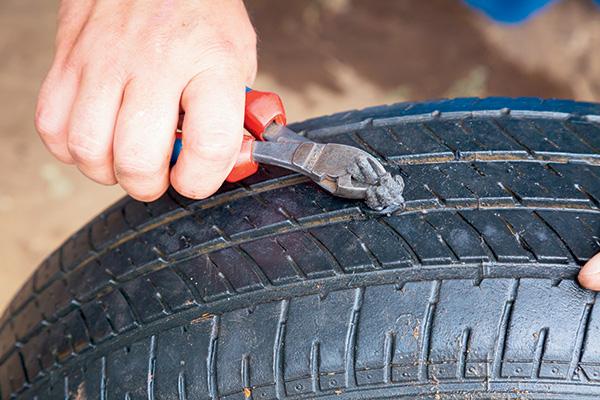 Essential -trackside -tyre -repair -tips -Simple -puncture -repairs