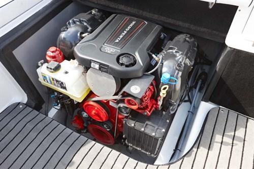 Volvo 200-G marine engine