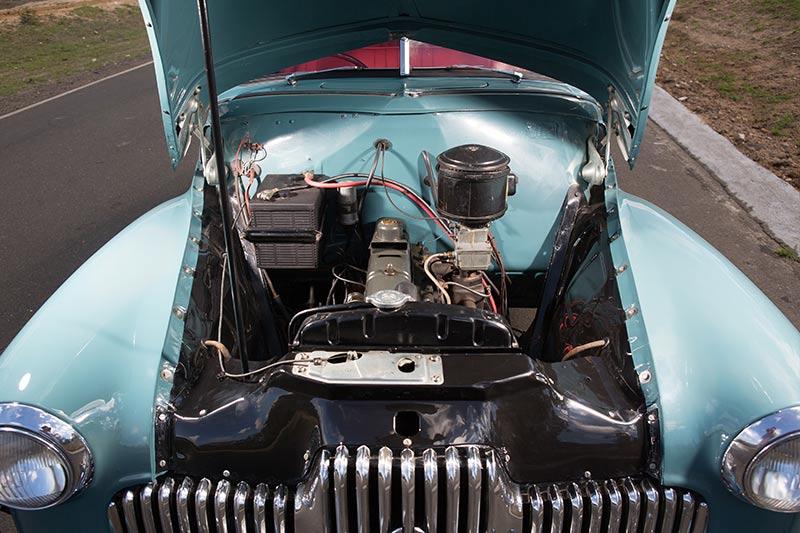 Holden -48-215-engine -bay