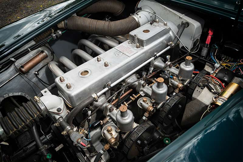AC-Aceca -engine -bay -2