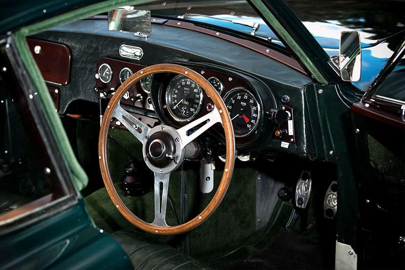 AC-Aceca -interior -front