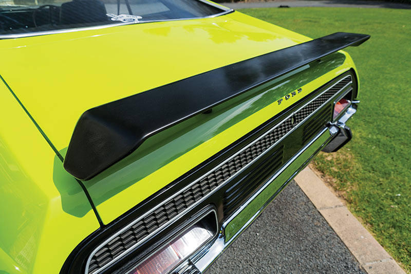 Ford -falcon -coupe -rear -wing