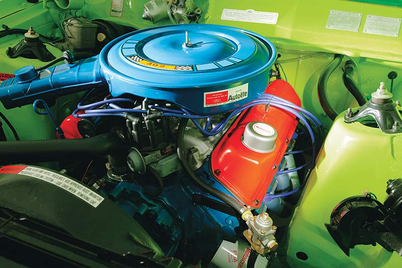 Ford -falcon -coupe -engine -bay -3