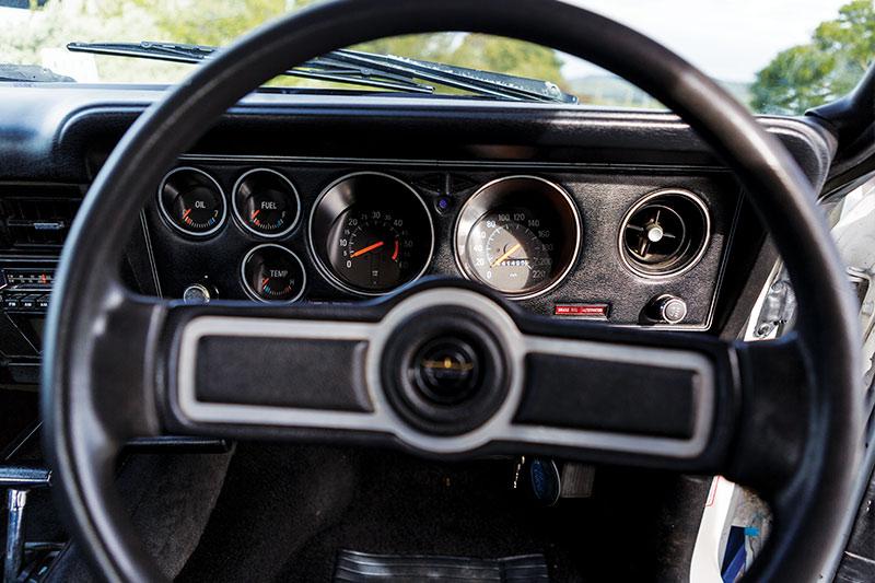 Ford -falcon -cobra -dash