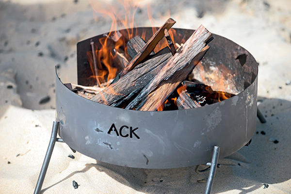 Aussie -Campfire -Kitchens -portable -fire -pit -1