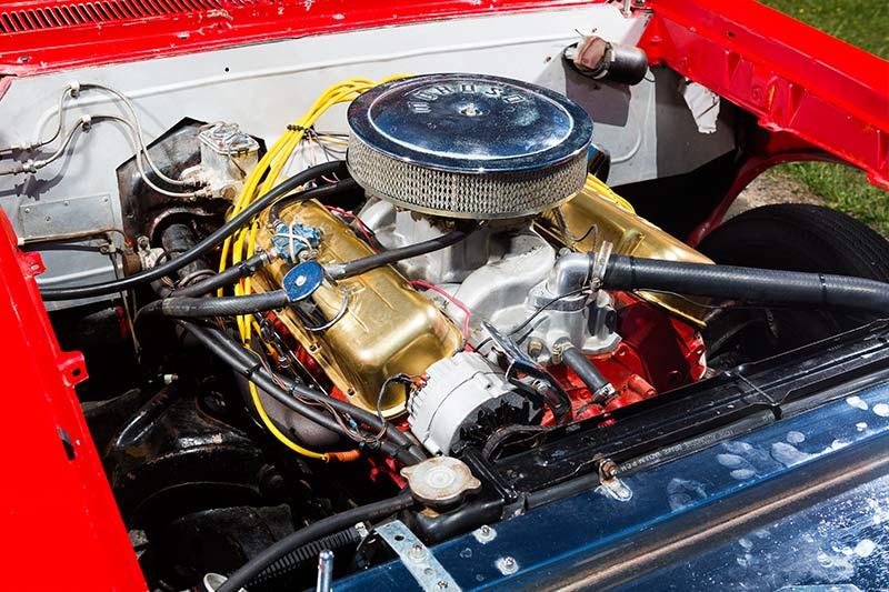 Pontiac -tempest -engine -bay
