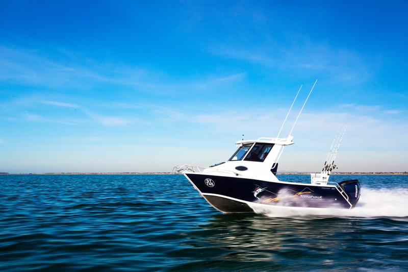 Formosa 580 Offshore Tomahawk Hardtop boat