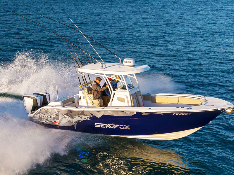 Sea Fox fishing boat with Evinrude E-TEC 300hp G2 outboards