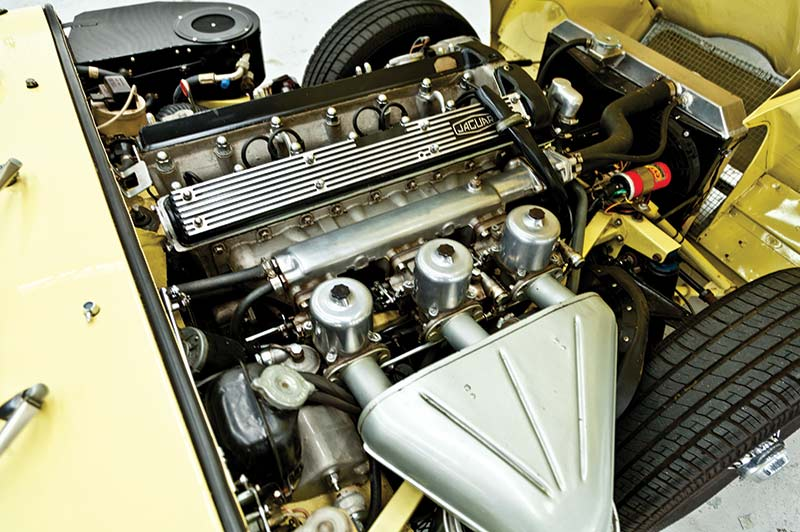 Jaguar -etype -engine -bay
