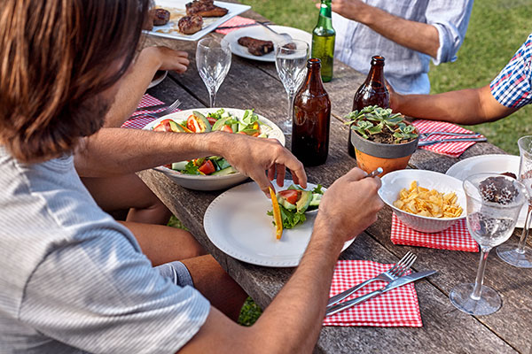 People -eating -food -at -the -table