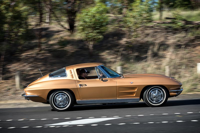 Corvette -stingray -onroad -side