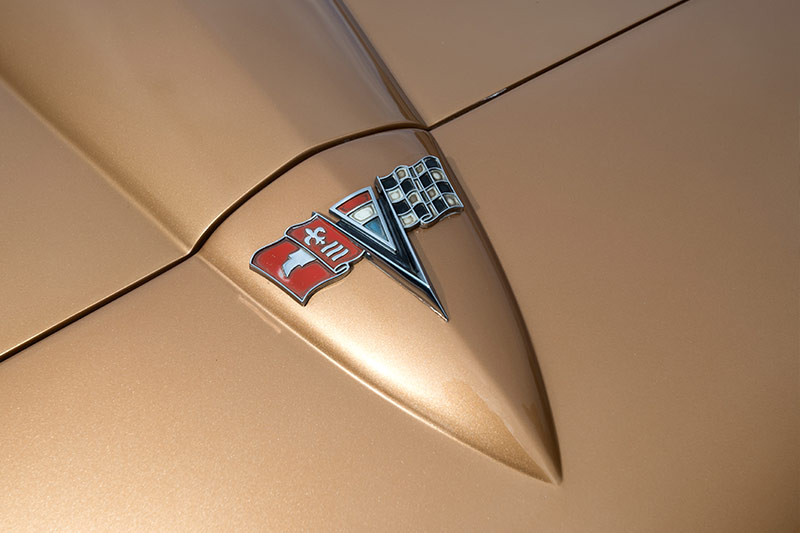 Corvette -stingray -bonnet -emblem