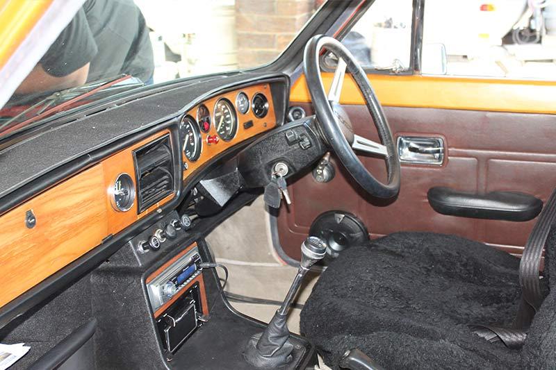 Triumph -2500s -interior -front
