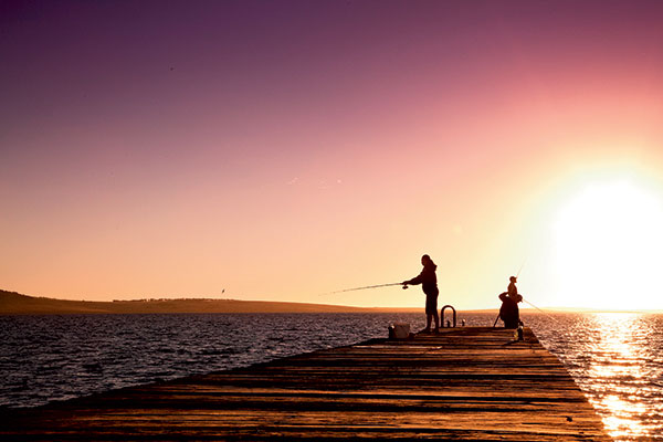 People -fishing -at -the -Port -Lincoln -Tourist -Park -SA-2