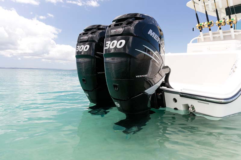 Double Mercury Verado 300hp outboard motors