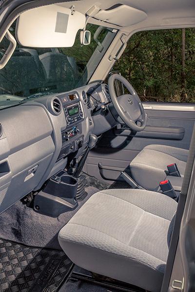 Toyota -2017-Landcruiser -76-GXL-6