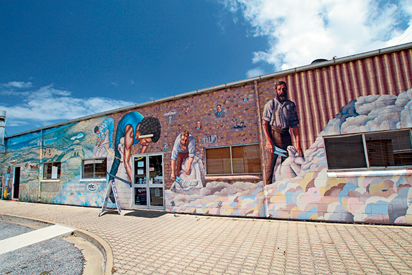 Mural -on -the -wall -of -the -Elliston -Visitor -Information -Centre
