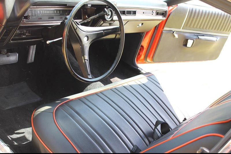 Plymouth -satellite -interior