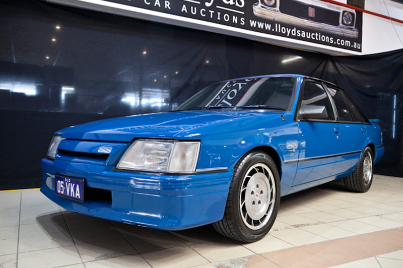 Holden -vk -brock -commodore