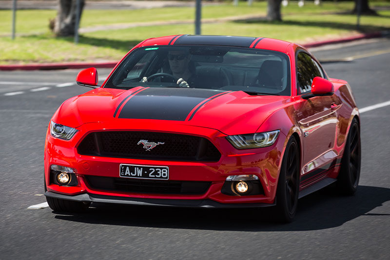 Ford -mustang -onroad