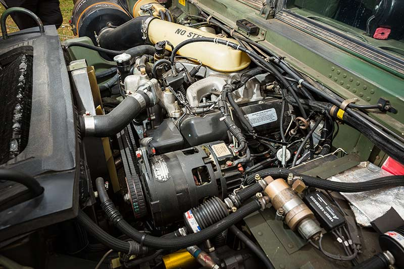Humvee -engine -bay