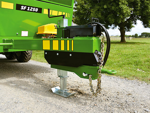 Photo of the jack and quick hitch foot on the Hustler SF1250 Silage Wagon