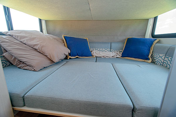 Discovery -4-Berth -2030-9