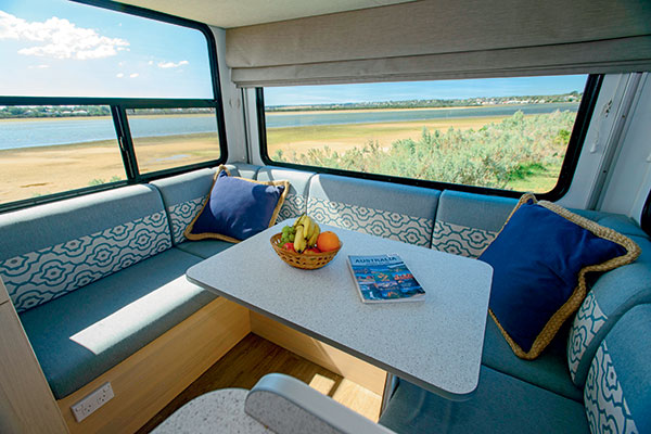 Discovery -4-Berth -2030-10