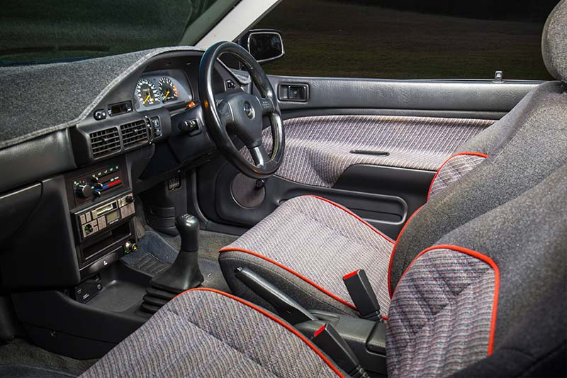 Ford -laser -interior -front