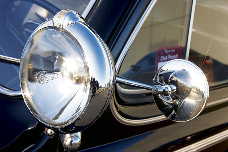 Ford V 8 Mirror