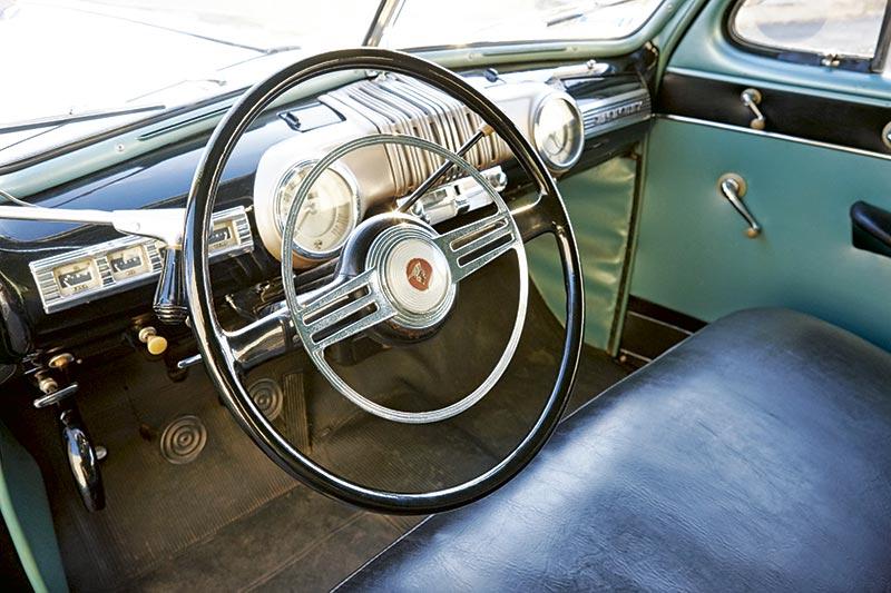Ford V 8 Interior