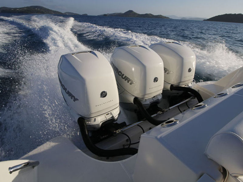 triple 350hp Mercury Verado Boston Whaler