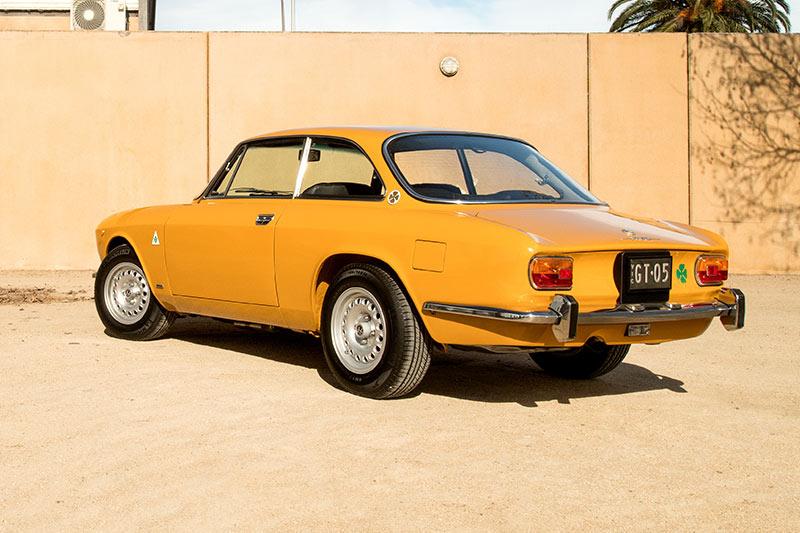 Alfa -romeo -gtv -1750-rear -angle