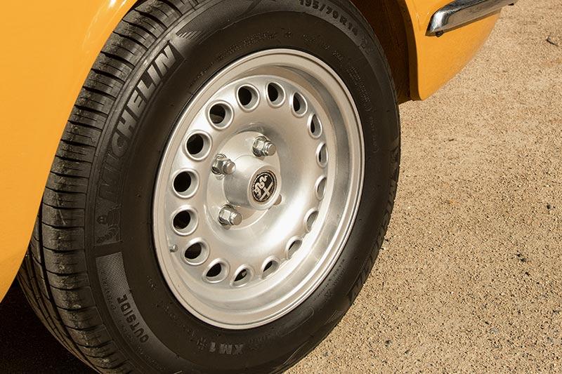 Alfa -romeo -gtv -1750-wheel