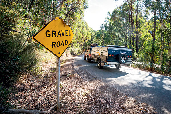 Towing -an -Avan -camper -on -gravel -road