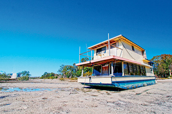 A-houseboat -at -Tin -Can -Bay