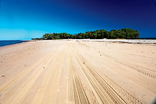 Beach -next -to -the -Inskip -Point