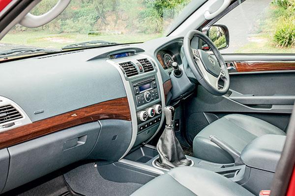 Toyota -2017-Tunland -Dual -Cab -4x 4-3